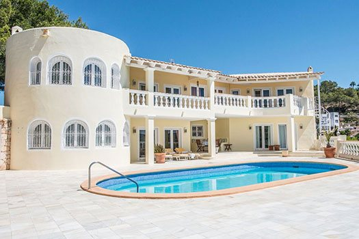 Service Hébergement piscine Ibiza