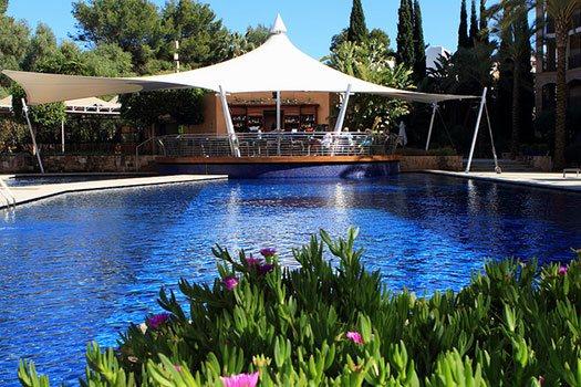 Piscine Ibiza, Sélection du site